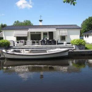 Watervilla River Side
