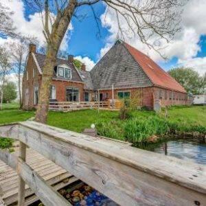 Watervilla Boerderij uit 1866 in Friesland